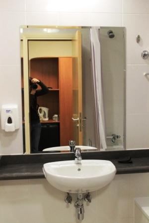 Bathroom picture of premier inn dubai international airport hotel dubai tripadvisor Premiere bathroom design reviews