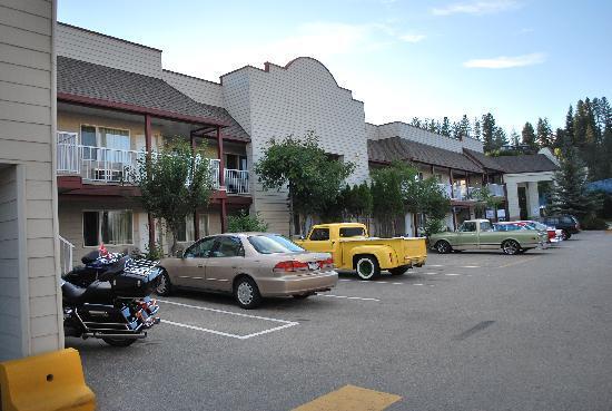 Canadas Best Value Princeton Inn & Suites : Teil der Hotelanlage