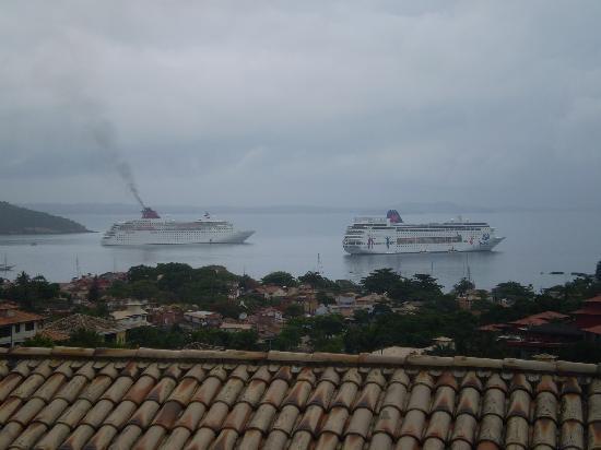 Hotel Pousada e Spa Villa Mercedes: foto desde el balcon de la habitacion con vista a la ciudad y vista a los cruceros... impresiona