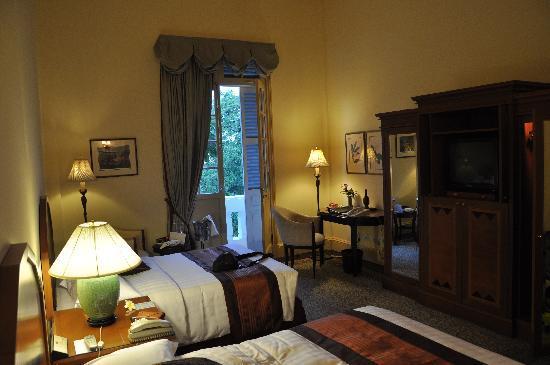 Raffles Hotel Le Royal: Landmark room