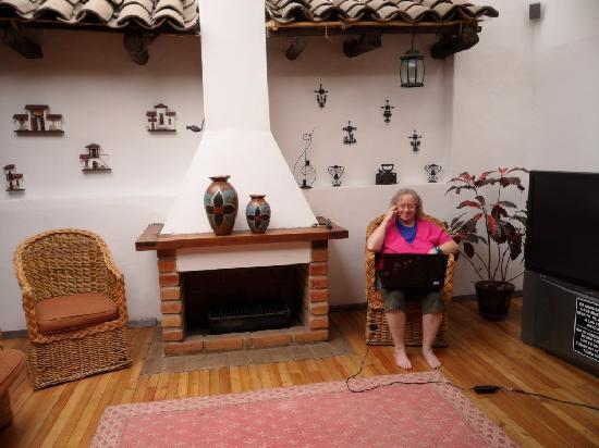 Casa Ordonez: Reading Room