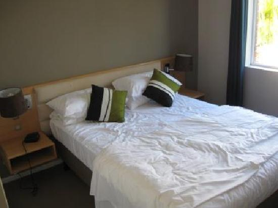 Quest South Perth: Double Bedroom