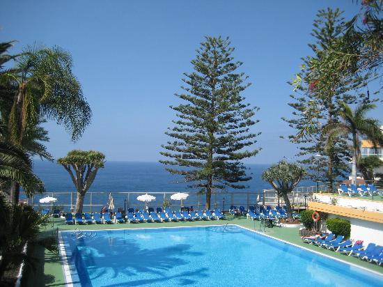 50e7e90c8d5e7 Blick über Garten und Pool - Picture of Hotel Best Semiramis