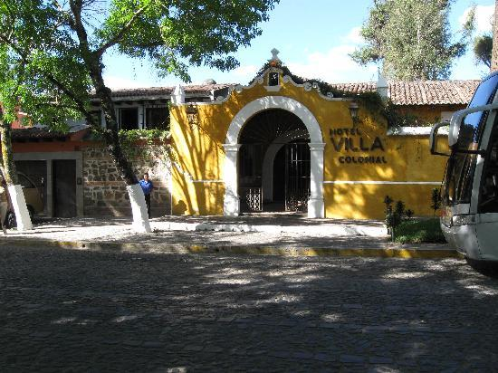 Villa Colonial: main entre