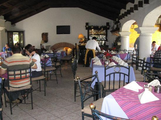 Villa Colonial: the cozy restaurant