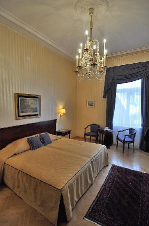 Hotel Ambassador: Standard-Zimmer