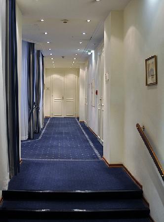 Hotel Ambassador: Flur im 3. Stock