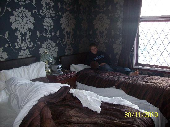 Abbey Guest House: our bedroom