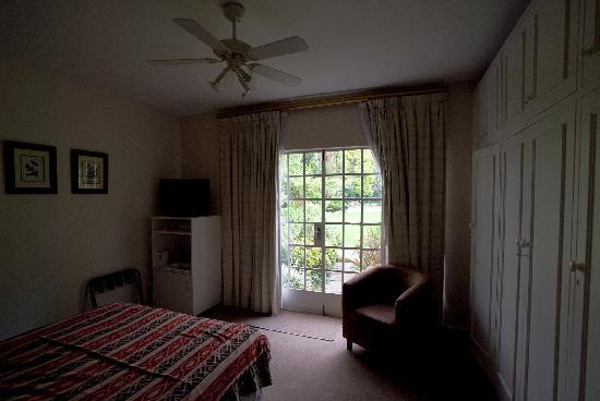 Cotswold Gardens Guest House: camera