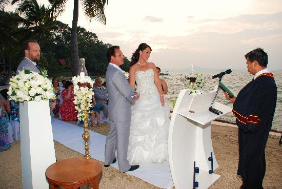 Royal Wing Suites & Spa: our wedding on the beach