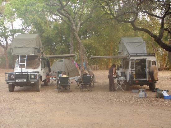 Pioneer Lodge & Camp: Camp set up - dinner being prepared!