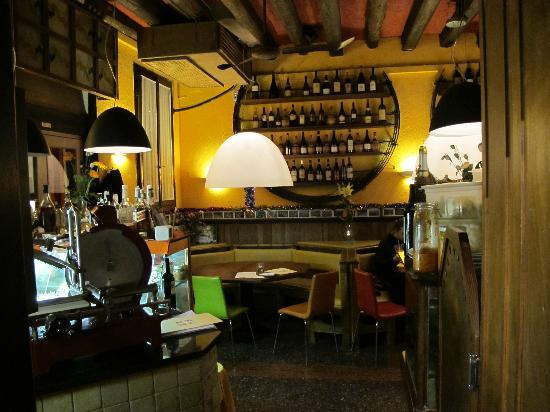 Restaurant Cantina Canaletto: Nice inside