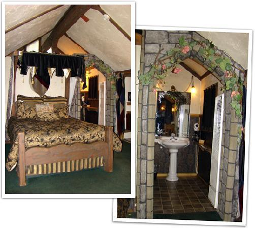 Castle Wood Theme Cottages: Themed decor