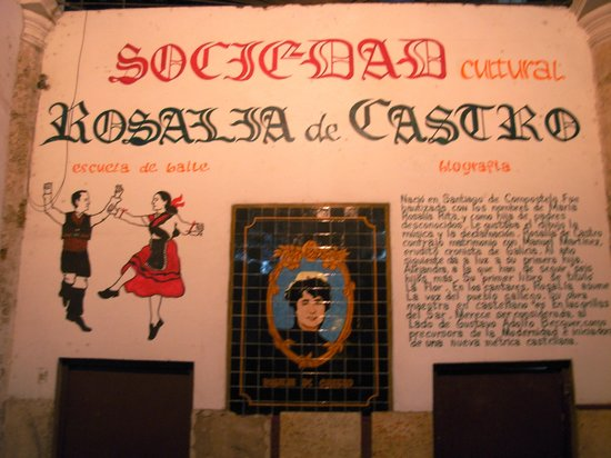 Sociedad Cultural Rosalia de Castro: L'insegna nell'androne di ingresso