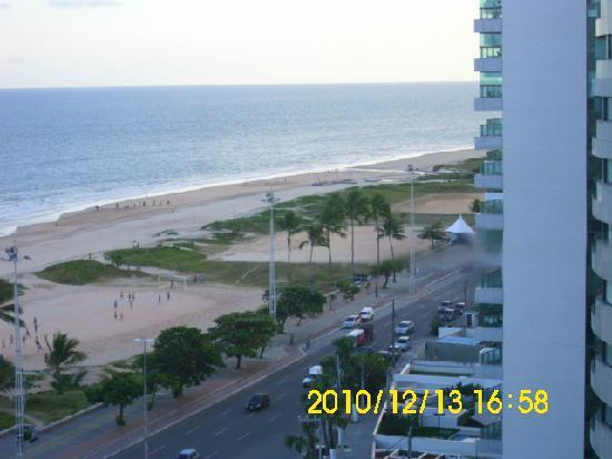 Boa Viagem Praia Hotel : Vista da habitaçao