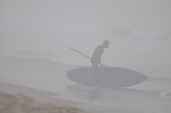 Laguna Riviera Beach Resort: Foggy Morning Surfer
