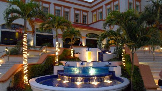 Heaven at the Hard Rock Hotel Riviera Maya: entrance to lobby from pool area