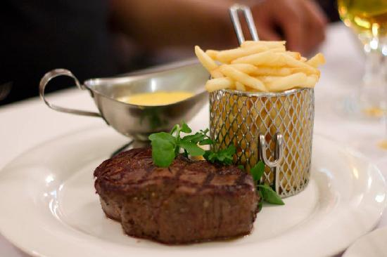 Frenchy's Bistro: eye fillet with bearnaise sauce