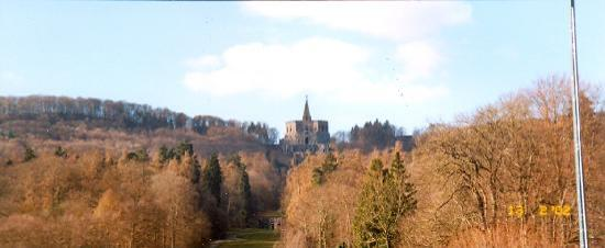 Kassel, Deutschland: At Schloss Wilhelmshohe, looking up at the Folly of Hercules.