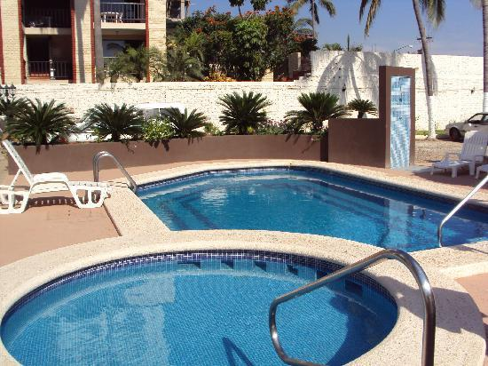 Suites Lindamar: Great pool