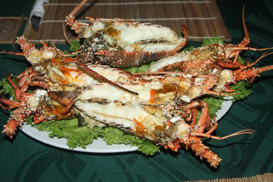 Eden Beach Hotel Bora Bora : delicious cuisine_lobsters