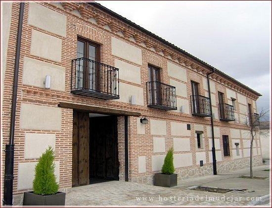 Velayos, España: Fachada