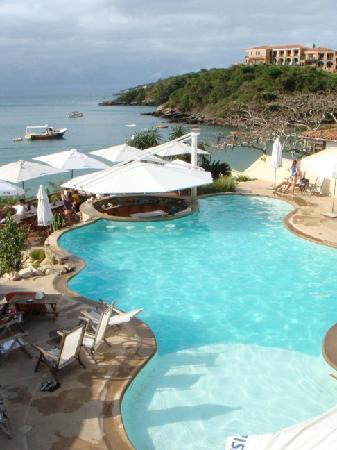 Búzios, RJ : Pool overlooking ocean