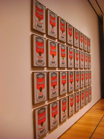 The Museum of Modern Art (MoMA): Soup cans - Andy Warhol