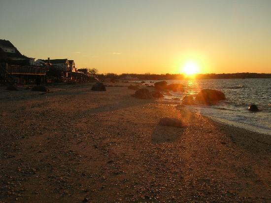 Shorecrest Bed & Breakfast: winter sunset