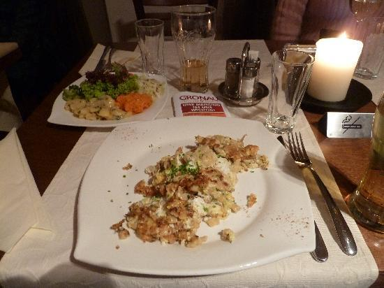Gronau : Eiermockerl mit Salat