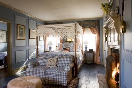 Inn by the Bandstand: Williamsburg Family Suite