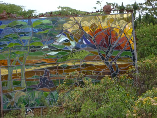 Anselm Kitengela Hot Glass: stained glass window in the garden