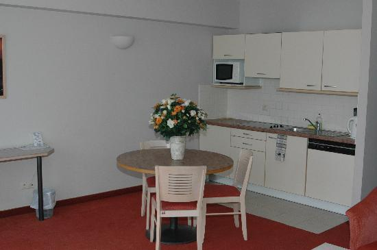 A-XL Flathotel: A full equipped kitchen