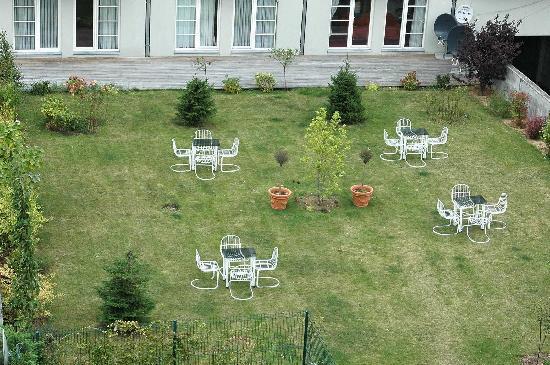 A-XL Flathotel: A nice garden to relax