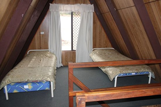 Bridgetown, Australien: Twin beds upstairs in the large chalet