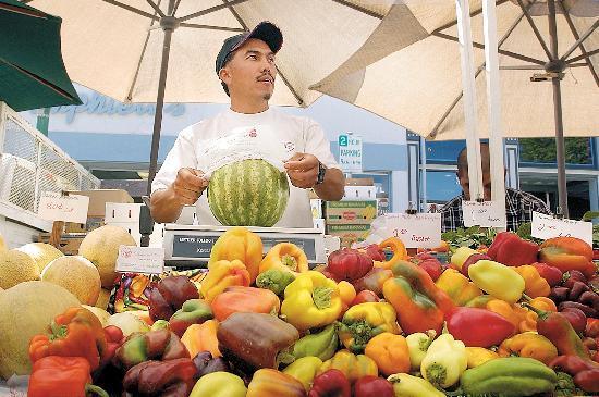 Vacaville, CA: farmer's market