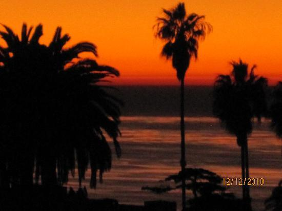 Inn by the Sea: Sunset from rm #514