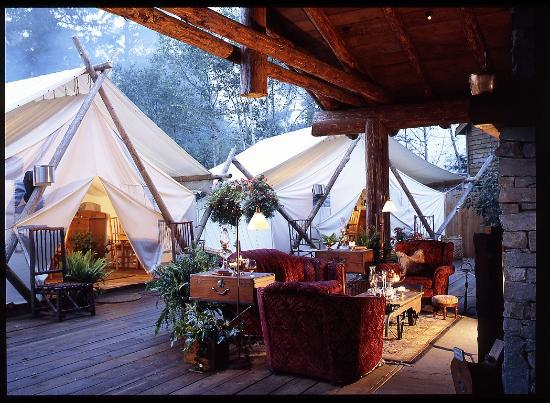 Clayoquot Wilderness Resort: Fireside Lounge and Dining Tents