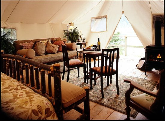 Clayoquot Wilderness Resort: Guest tent interior