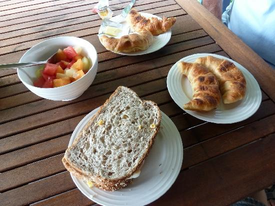 Amber Gardens Guesthouse: Part of our continental breakfast