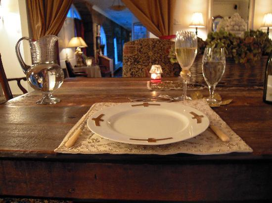 Lone Star Bed & Breakfast Haven: dining room