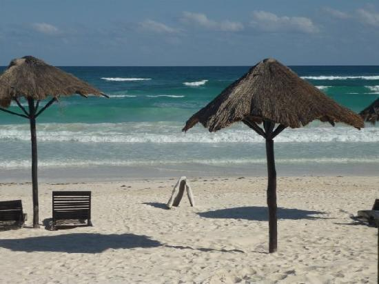 Amelie Tulum: Beach right in front of hotel