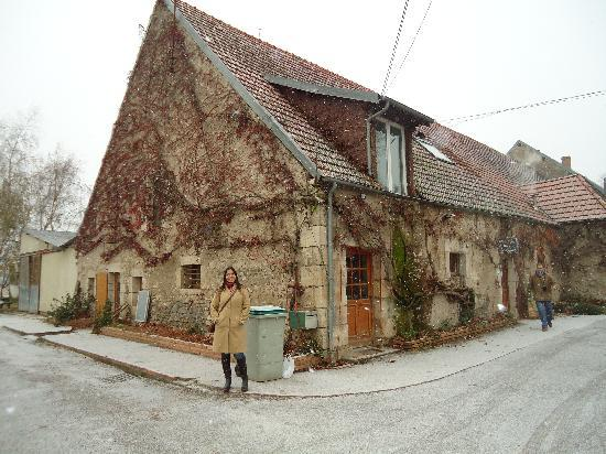 Paris Wine Day Tours : At the Cheese Farm