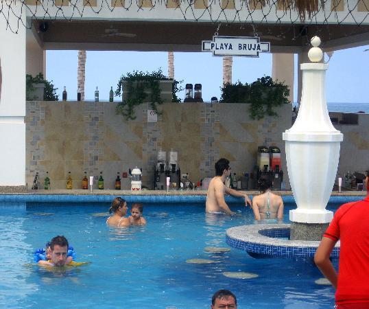 The Swim Up Bar Picture Of Hotel Riu Emerald Bay