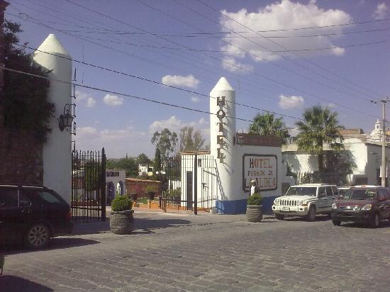 Posada de la Aldea: La Aldea entrance from the street. Ancha de San Antonio Avenue