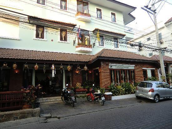 Sri Pat Guest House: von aussen