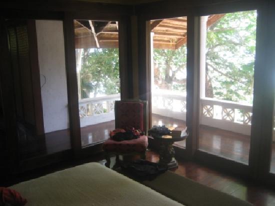 Mangenguey Island : Bedroom Outlook from Pink Suite