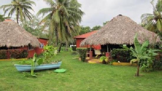 Paraiso Beach Hotel: Huts
