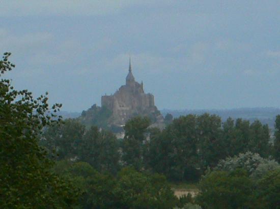 Mont-Saint-Michel: Anblick aus der Ferne 2