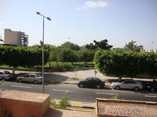 Sara Guardian Hotel: The  Hreen park at front of the hotel